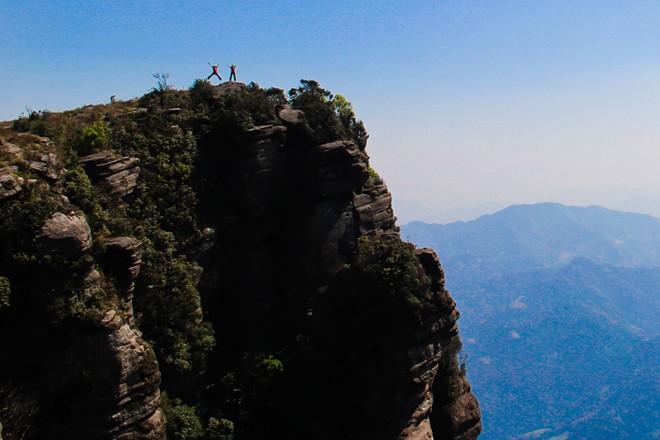 Chinh phục đỉnh Pha Luông – nóc nhà Mộc Châu