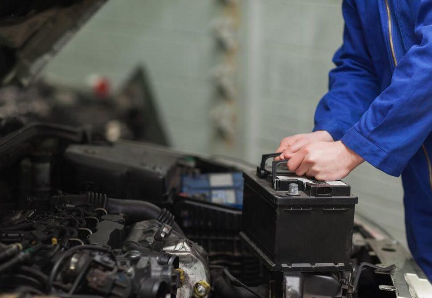 Các lưu ý khi gặp tình huống Ắc quy yếu điện không thể khởi động xe