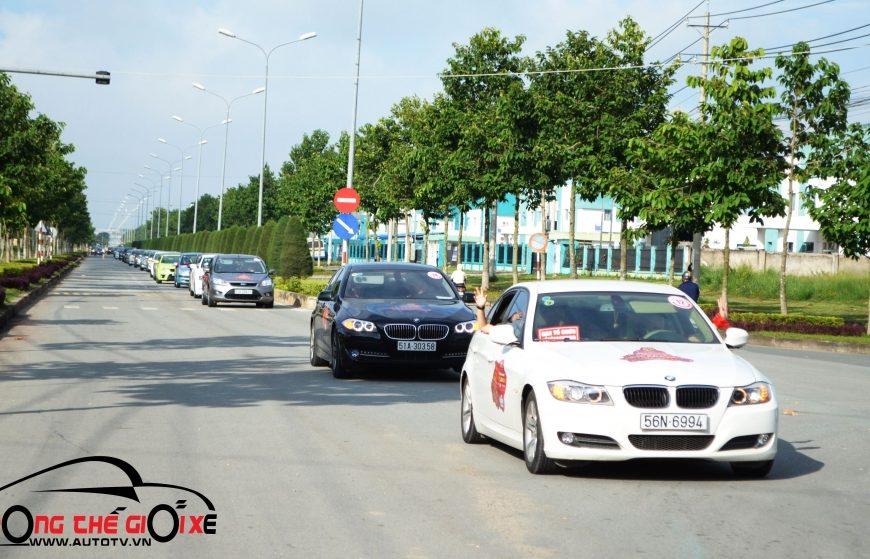 (Autotv.vn)VietCaravan kỷ niệm SN lần 5 với đoàn xe dài nhất Việt Nam