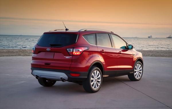 """Ford trang bị """"đồ chơi"""" mới gì cho Escape 2017?"""