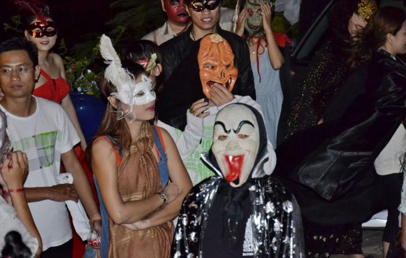 Video Lễ Nhập Môn Ma Cà Rồng Halloween 2012
