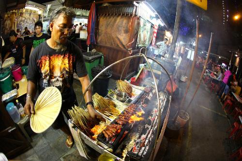 Đến Singapore phải ghé phố đồ nướng Satay
