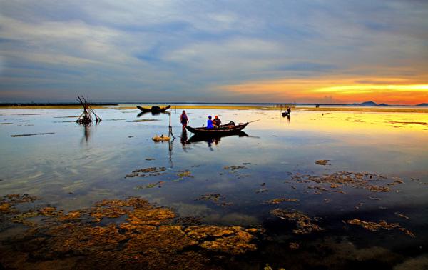 Image result for sáng thủy biều chiều tam giang