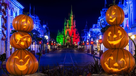 Halloween là gì? Tại sao Halloween diễn ra ngày 31/10?