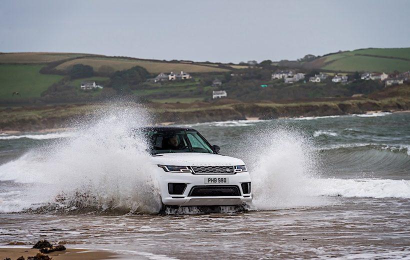 Range Rover Sport 2018 thể hiện khả năng vượt biển