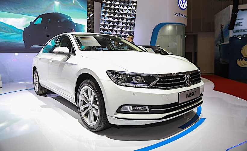 Cận cảnh Volkswagen Passat Blue Motion 2017 tại triển lãm VIMS