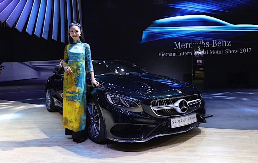 Ảnh chi tiết gian hàng của Mercedes-Benz Việt Nam tại VIMS 2017
