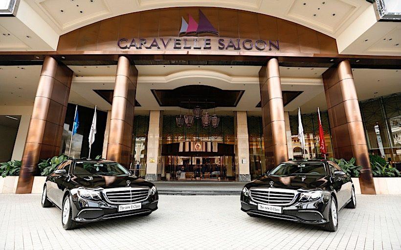 Mercedes-Benz Việt Nam bàn giao bộ đôi E200 cho Caravelle Sài Gòn