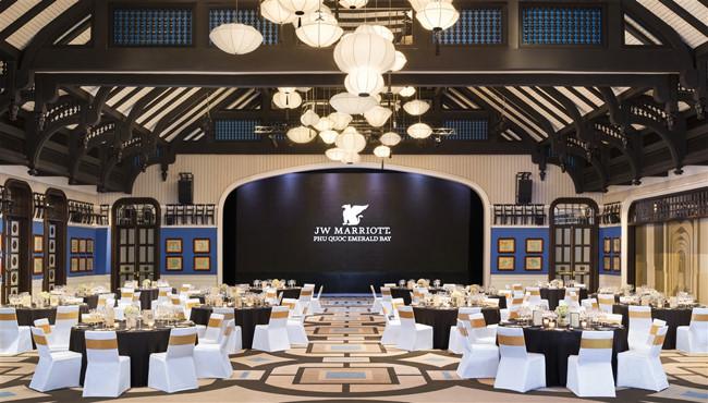 """Đêm Lễ trao giải """"Oscar của ngành du lịch thế giới 2017"""" diễn ra tại Phú Quốc"""