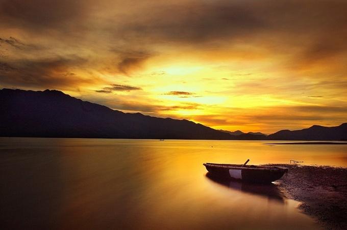 Vịnh Lăng Cô đẹp đến từng hơi thở