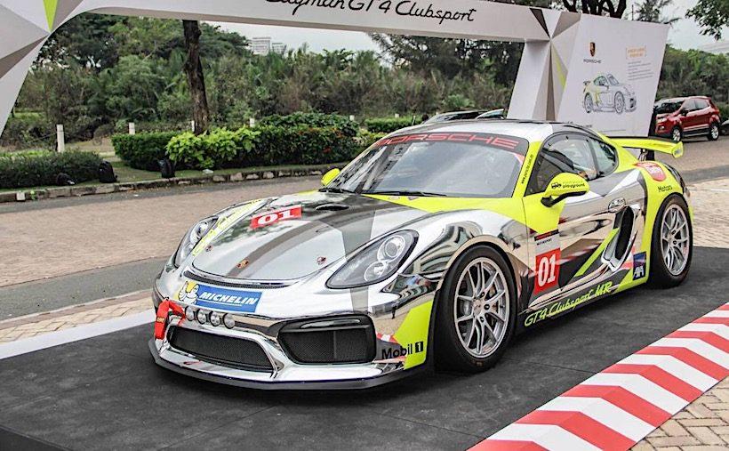 Cận cảnh Porsche Cayman GT4 Clubsport tại Việt Nam