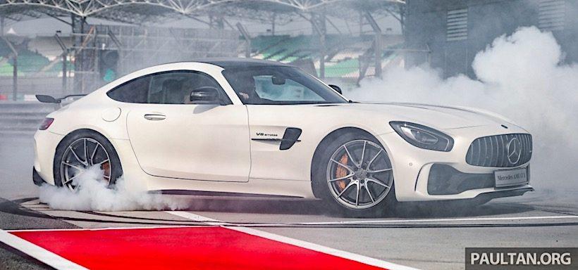 Mercedes- Benz AMG GT-R có giá bán 9,1 tỷ đồng tại Malaysia