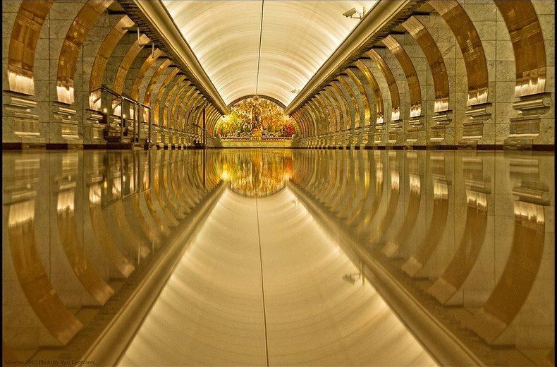Moscow metro – cung điện lộng lẫy dưới lòng đất