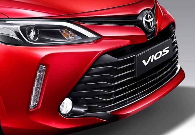 """Toyota Vios gần như chắc chắn giữ """"ngôi vương"""" mẫu xe bán chạy nhất năm"""