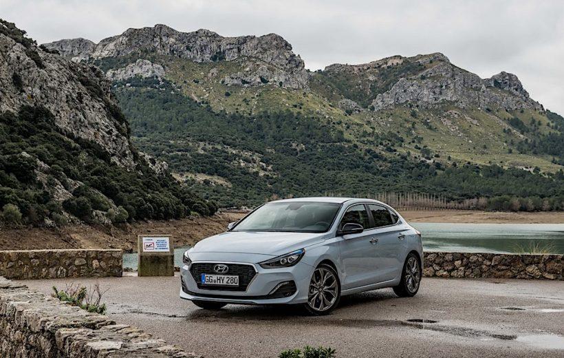Hyundai I30 Fastback có giá 27.289 USD tại thị trường Anh