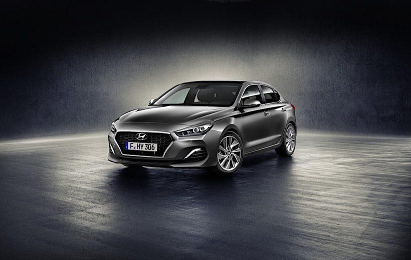Hyundai Fastback I30 2018 chính thức bán ra tại Anh với giá 616 triệu đồng