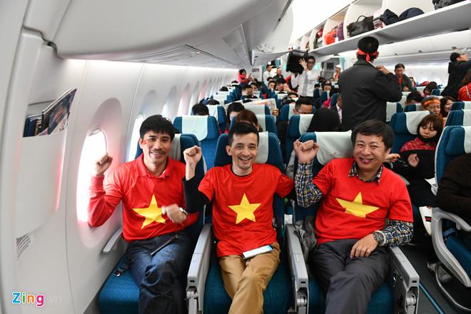 Cổ động viên sang Trung Quốc cổ vũ U23 Việt Nam