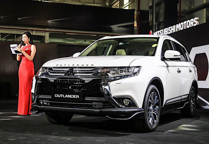 Mitsubishi Outlander CKD chốt giá 808 triệu đồng tại Việt Nam