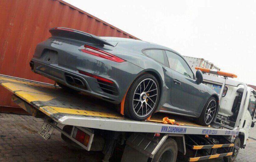 Porsche 911 Turbo S giá hơn 15 tỷ đồng bất ngờ về Việt Nam đón Tết
