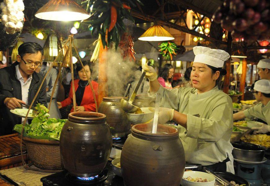 Furama Resort Đà Nẵng tổ chức phiên Chợ Quê Tết
