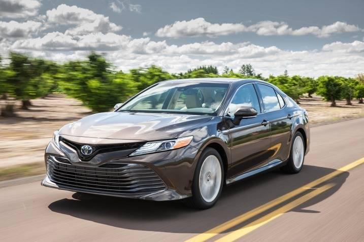 Toyota triệu hồi Camry thay động cơ