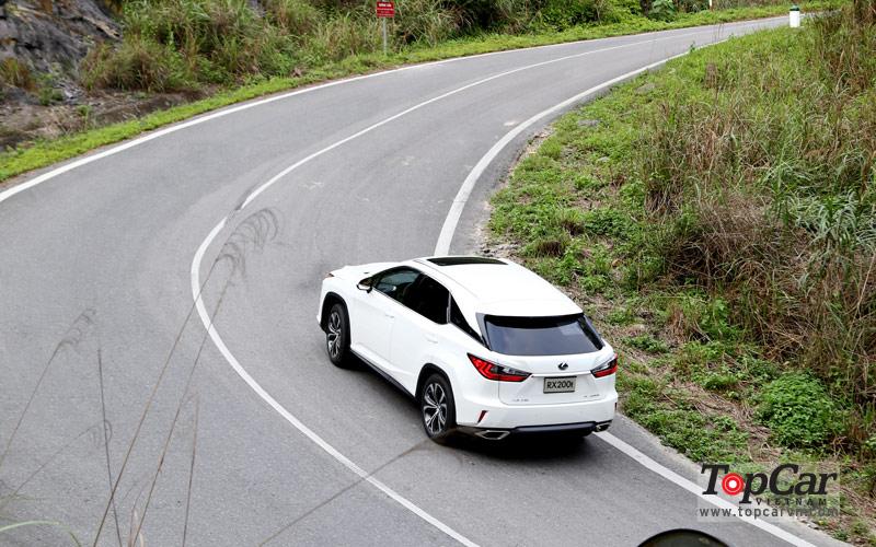 Kỹ thuật  lái xe trên đường đồi núi, nhiều khúc cua liên tục