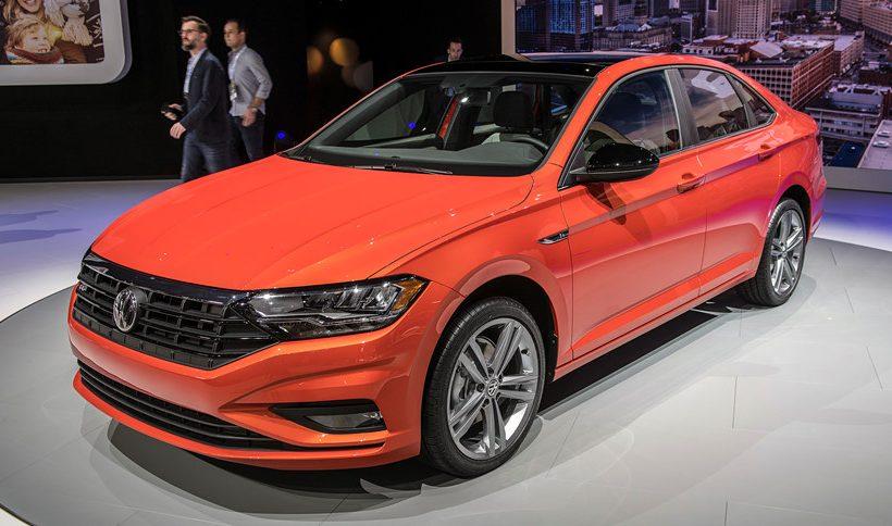 Volkswagen Jetta giảm giá 100 triệu đồng