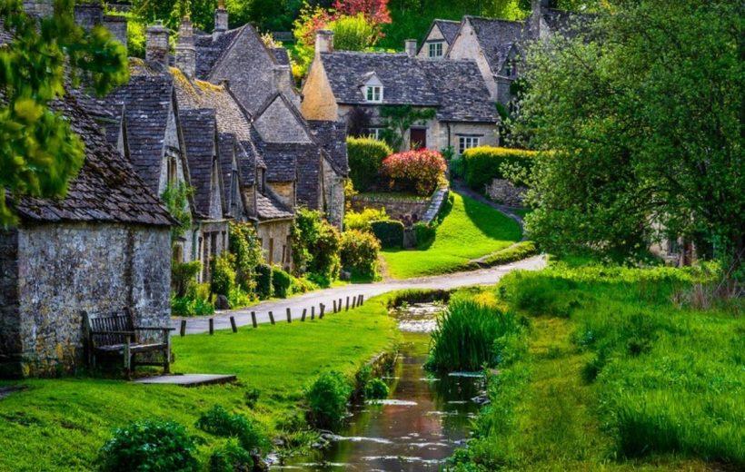 Những ngôi làng cổ tích đẹp và thơ mộng