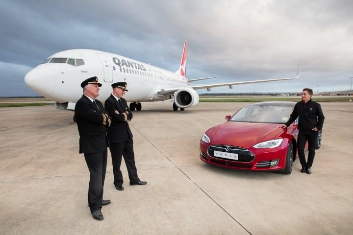 Tesla đọ cùng máy bay Boeing để lập kỷ lục thế giới