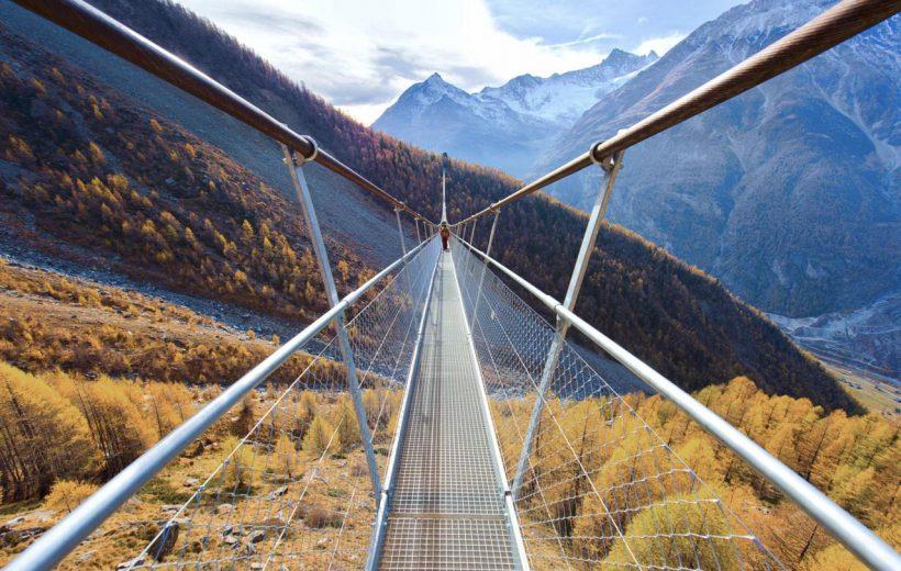 Những cây cầu dây giữa hẻm núi đẹp nhất.