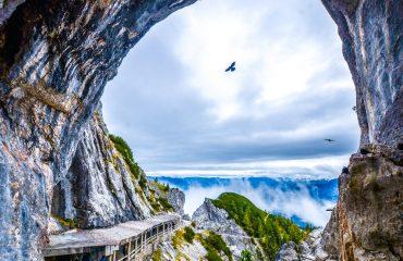 Ice-cave-Eisriesenwelt-Werfen-Austria