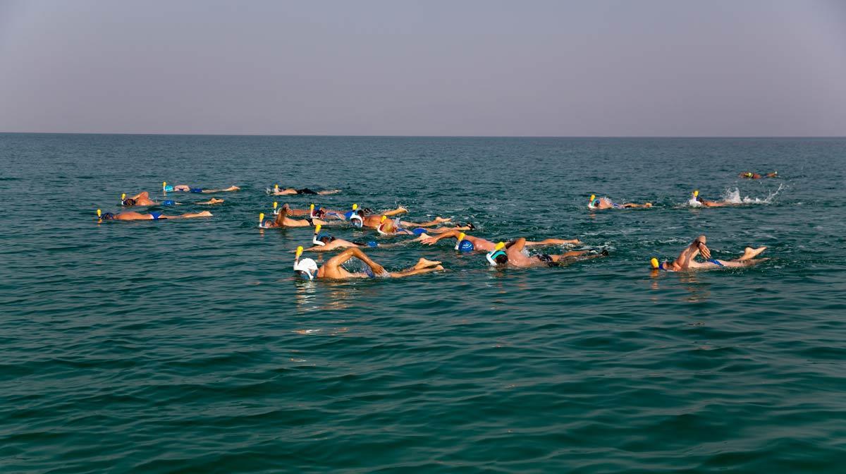 Bơi ở biển Chết