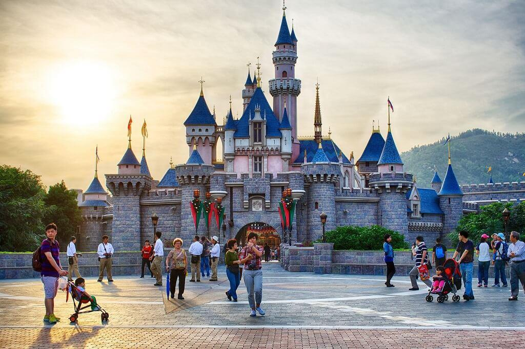 Công viên Disneyland ở Hong Kong, Trung Quốc